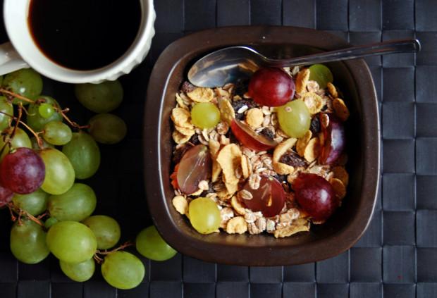 Winogrona urozmaicą niejedno śniadanie. Stanowią idealne dopełnienie porannego musli, dokładając witamin i minerałów na dobry początek dnia.