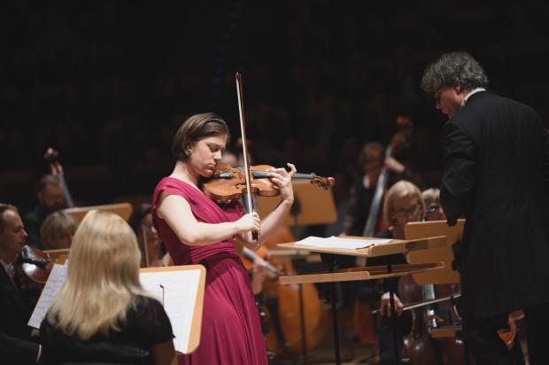 Weriko Czumburidze, tegoroczna zwyciężczyni Międzynarodowego Konkursu Skrzypcowego im. Henryka Wieniawskiego, wykonała w Filharmonii Bałtyckiej Koncert skrzypcowy a-moll nr 1 op. 77  Dymitra Szostakowicza.