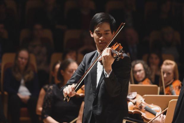 Richard Lin zachwycił słuchaczy swoją interpretacją II Koncertu skrzypcowego Henryka Wieniawskiego.