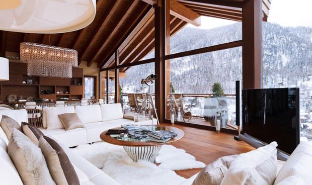 Chalet Zermatt Peak - jedna z droższych, szwajcarskich rezydencji. 7-dniowy pobyt kosztuje tu 184 tys. dolarów, obejmuje jednak: transport helikopterem,  asystę konsjerżów, opiekę trenerów, masażystów oraz pełną ofertę Spa.