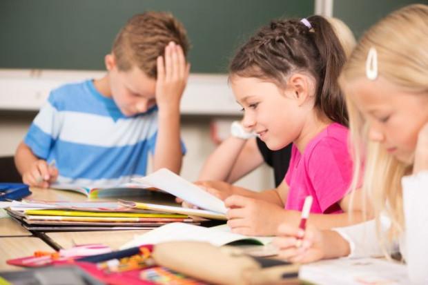 44d81a3c9a537 Nowa podstawa programowa dla ośmioklasowych szkół podstawowych i siatki  godzin dla wszystkich etapów nauczania - do