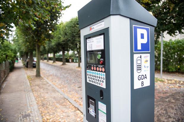 Od 1 października, gdy wprowadzono strefę płatnego parkowania w Oliwie jest mniej aut. Wiosną na jezdni wymalowane zostanie dodatkowe oznakowanie.