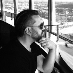 """""""Mam też wrażenie, że życie kulturalno-towarzyskie jest w Trójmieście o wiele bogatsze niż w Warszawie. Mam na myśli niezależne, undergroundowe imprezy i koncerty, tego typu wydarzenia"""""""