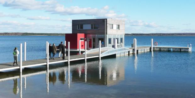 Dom pływający na terenie IBA na Łużycach,  Niemcy.