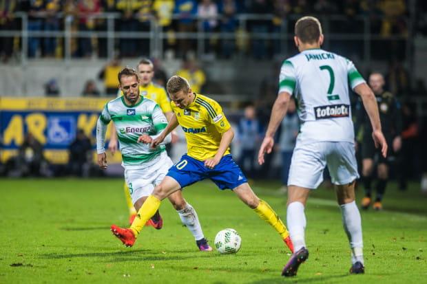 Mateusz Szwoch i Flavio Paixao to udane inwestycje z zimowego okna transferowego przed rokiem trójmiejskich klubów.