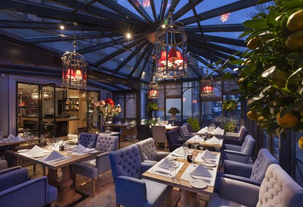 Wiosna W środku Zimy Restauracje Z Ogrodem Zimowym