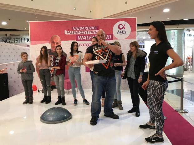Robert Burneika razem z ekipą urządzał konkursy i zabawy dla zakochanych.