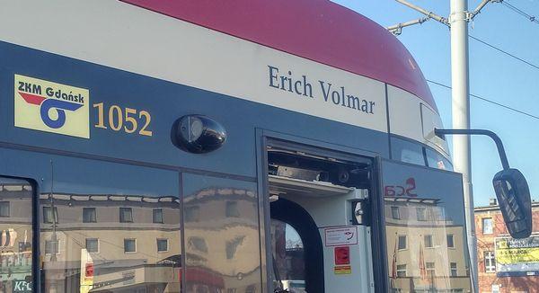 Erich Volmar jest patronem tramwaju Pesa Jazz Duo 1052.
