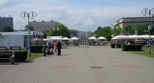 Przy fontannie na skwerze Kościuszki w sezonie letnim znowu będzie dominowała gastronomia.