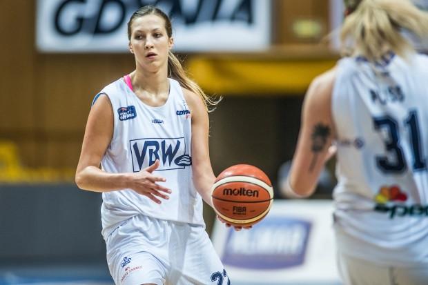 Świetnie dysponowana w piątek Amalia Rembiszewska poprowadziła drużynę do pierwszego miejsca w grupie B mistrzostw Polski U-22.