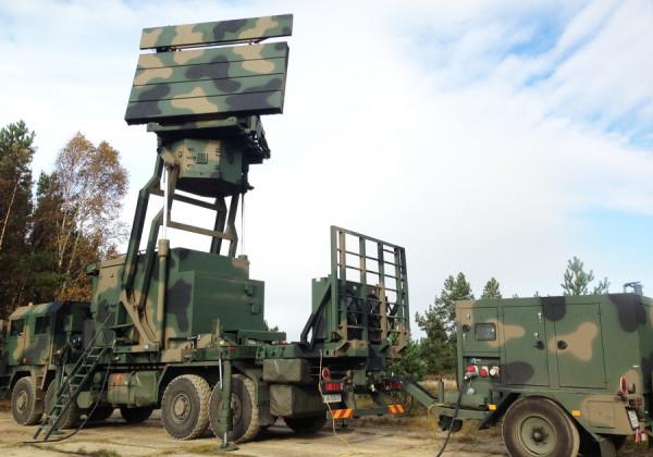 Stacja radiolokacyjna TRS-15C polskiej produkcji.