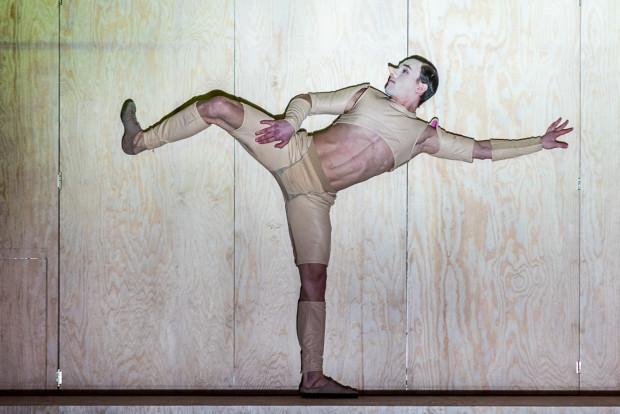 Dla Oleksandra Khudimova (byłego tancerza Bałtyckiego Teatru Tańca) rola Pinokia to pierwsza tak poważna rola w Gdańsku