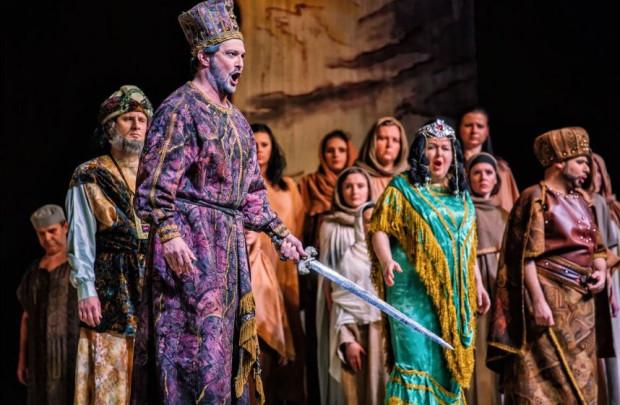 """Operę """"Nabucco"""" Giuseppe Verdiego z Giulio Boschettim w tytułowej roli zobaczyć można w Polskiej Filharmonii Bałtyckiej 13 marca."""