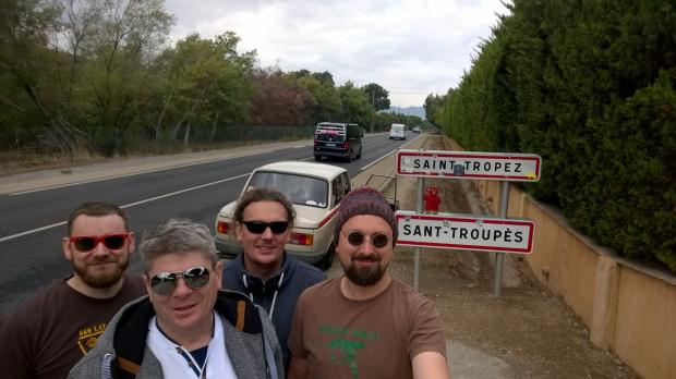 Załoga Wartburga tuż przed Saint-Tropez.