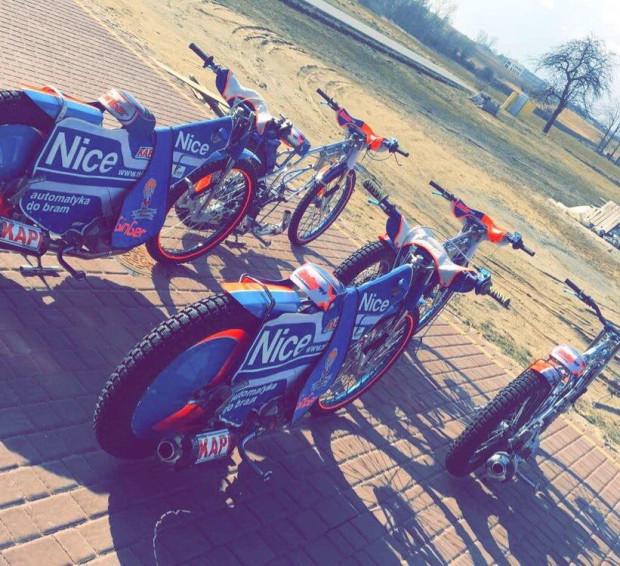 Kacper Gomólski szykuje na nadchodzący sezon pięć kompletnych motocykli i dwa dodatkowe silniki.