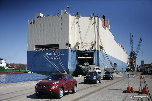 Szacuje się, że w efekcie realizacji kontraktu do gdańskiego portu przypływać będzie o ok. 20 tys. aut więcej niż dotychczas.