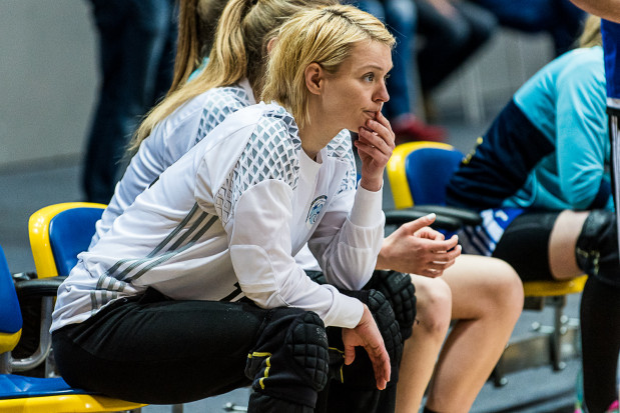 Małgorzata Gapska jest wciąż świetną bramkarką. Jednak od pewnego czasu przygotowuje się do nowej roli, na szkoleniowej ławce. Jako trenerka już może sprawdzić się w polskiej kadrze B.