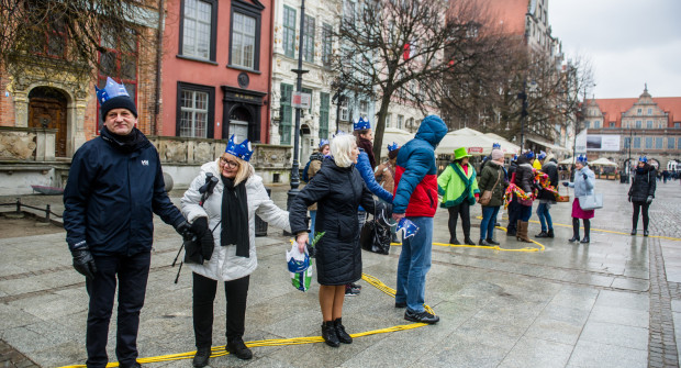 Pod Neptunem protestowali przeciwnicy dewastacji Wisły oczekujący poszanowania przyrody podczas ochrony przeciwpowodziowej.