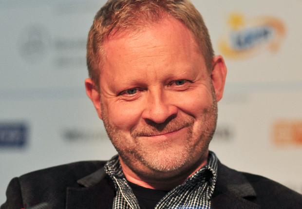 Mikołaj Trzaska urodził się w Gdańsku w 1966 roku.