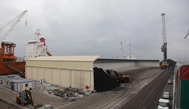Statek NCS Beijing zainaugurował pracę nowej zasobni przywożąc ok. 45 tys. ton węgla.