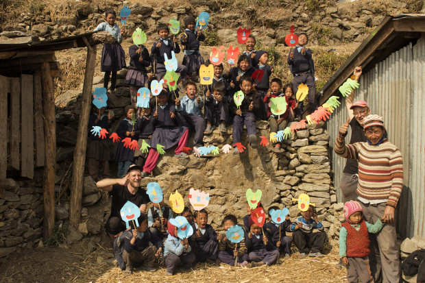 Wolontariusze przeprowadzili warsztaty plastyczne dla dzieci z Haku.