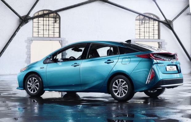Już niebawem rodzina hybrydowych Toyot powiększy się o Priusa Plug-in.