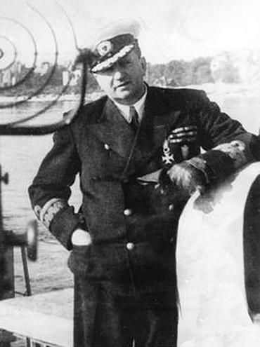 Po II wojnie światowej pierwsze trałowce sprowadził do Polski z ZSRR kmdr Włodzimierz Steyer.