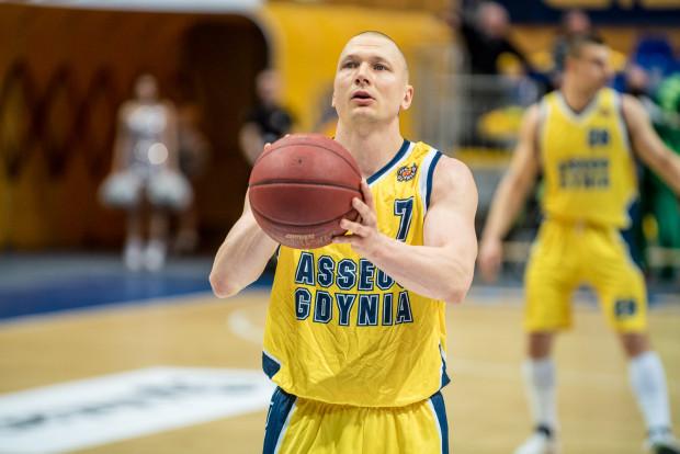 Krzysztof Szubarga w Toruniu rzucił dla Asseco 42 punkty i ustanowił nowy rekord sezonu. Sensacja wisiała w powietrzu, ale gdynianom nie udało się pokonać Polskiego Cukru.