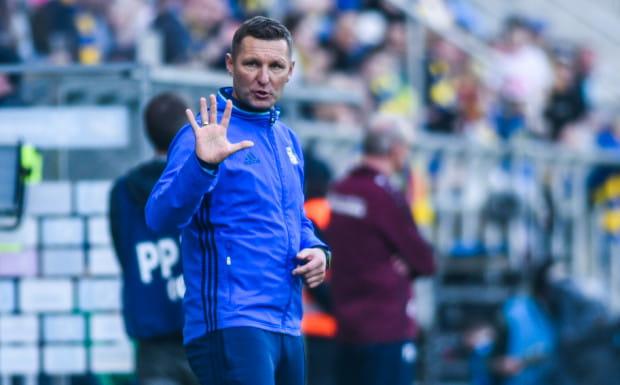 Arka przegrała piąty mecz z rzędu i dała sobie strzelił w Szczecinie 5 gol. Los Grzegorz Nicińskiego wydaje się być przesądzony.