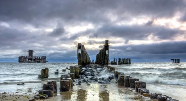 Strzeżona plaża na Babich Dołach to urokliwe miejsce, skąd można podziwiać m.in. torpedownię. Wkrótce powstanie tam nowe dojście nad morze.