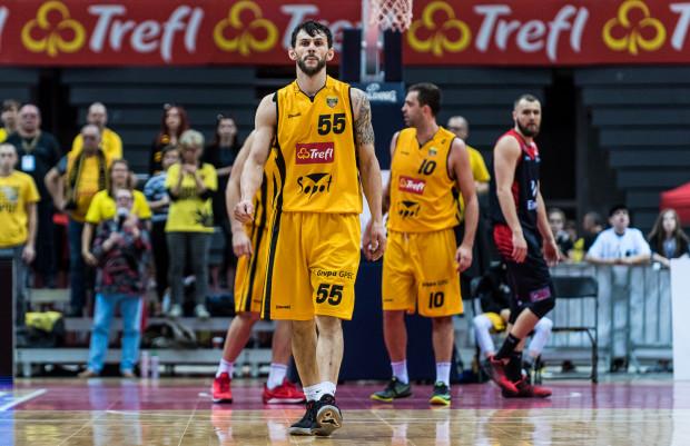 Artur Mielczarek i jego koledzy z Trefla podążają drogą w stronę play-off. To czy awansują do tej fazy leży w ich rękach.