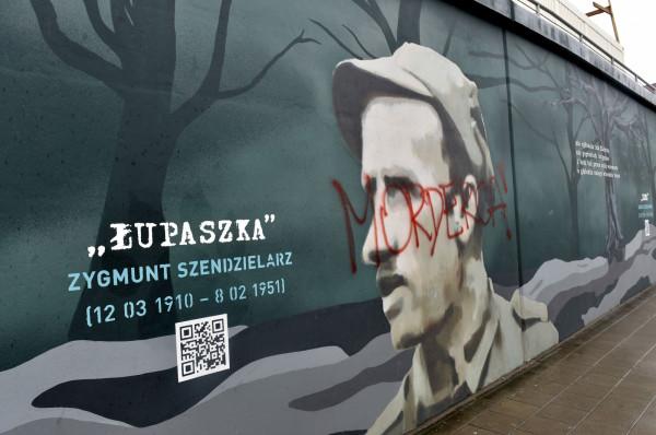 Policja otrzymała zgłoszenie dotyczące pomazania muralu w sobotę pod wieczór.