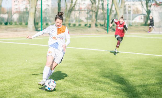To jest trudny sezon dla piłkarek Sztormu, ale w ostatnim czasie gdańszczanki prezentują wysoką formę. Wygrana z Mitechem była dla nich trzecią z rzędu. Na zdjęciu Hanna Oloffson, która zaliczyła asystę przy pierwszej bramce.