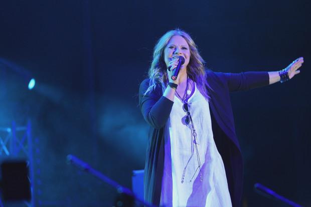 """Urszula wyznała, że po """"akustycznej"""" trasie koncertowej tęskno jej do wykonywania ulubionych piosenek """"z prądem"""", dlatego bardzo chętnie przyjęła zaproszenie od miasta Gdańska."""