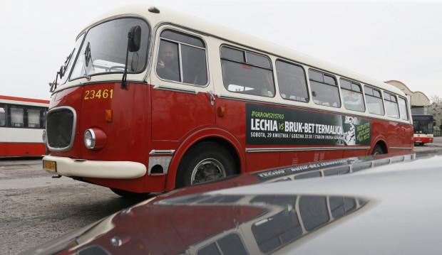 Zabytkowy autobus zawiezie kibiców na jubileuszowy mecz na Letnicy całkowicie za darmo. Wykona tylko dwa kursy w obie strony.