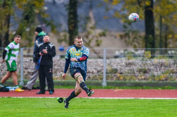 Łukasz Szablewski trzykrotnie punktował dla Ogniwa w derbach z Lechią, skutecznie wykonując karnego i dwa podwyższenia.