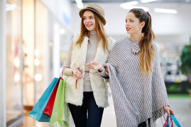 Kto korzysta z usług stylistek? Kobiety pozostają głównymi klientkami tej branży - najwięcej jest zapracowanych mam i kobiet prowadzących własny biznes.