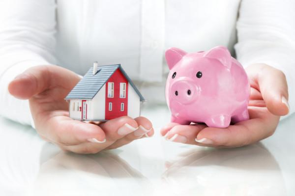 Według Komisji Nadzoru Finansowego osoba, która była w stanie zaoszczędzić pieniądze, będzie w stanie spłacać kredyt hipoteczny. Jednak nie wszystkie banki wymagają tak wiele gotówki, jak chciałaby komisja.