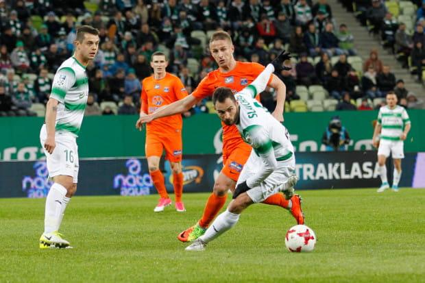 Gdy Ariel Borysiuk (z lewej) i Simeon Sławczew grali na środku rozegrania Lechia wygrywała w grupie mistrzowskiej. Jednak w dwóch kolejnych meczach może grać albo jeden albo drugi, gdyż przeszkadzają kartki.