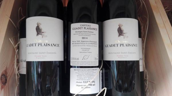 Siarczyny to nic innego jak związki siarki występujące w stanie gazowym SO₂ lub w stanie stałym KHSO₃ oraz K₂S₂O₅. Odpowiadają za konserwację pożywienia - w tym wypadku wina. Znajdziemy je również w winach ekologicznych.
