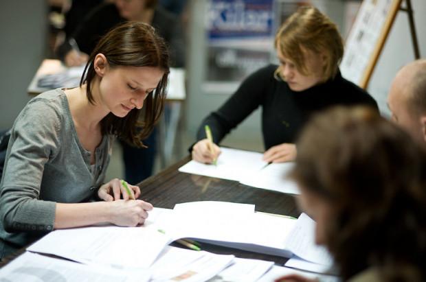 Pisanie ręczne sprawia uczniom coraz większą trudność - alarmują nauczyciele.
