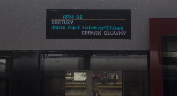 Na wyświetlaczach bocznych pojawi się tłumaczenie na język angielski nazwy przystanku Gdańsk Port Lotniczy - Gdańsk Airport.