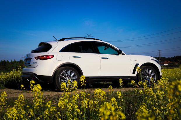 Infiniti QX70 to samochód, który z powodzeniem ma konkurować z niemiecką konkurencją.