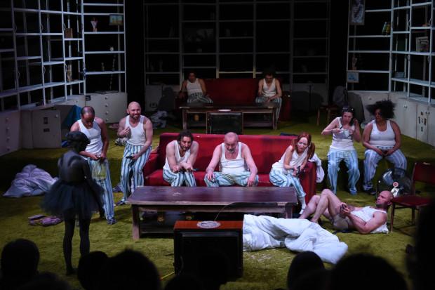 """Wśród rozczarowań tegorocznej edycji festiwalu znalazł się spektakl nagrodzonej w ubiegłym roku Agaty Dudy-Gracz - """"Po 'Burzy' Szekspira"""" z Teatru Muzycznego Capitol we Wrocławiu."""