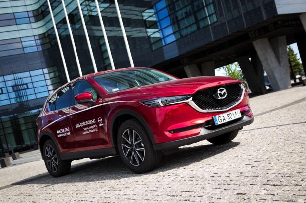 Nowa Mazda CX-5 wygląda zdecydowanie lepiej od swojej poprzedniczki, w kwestii jazdy w zasadzie nic się nie zmieniło.