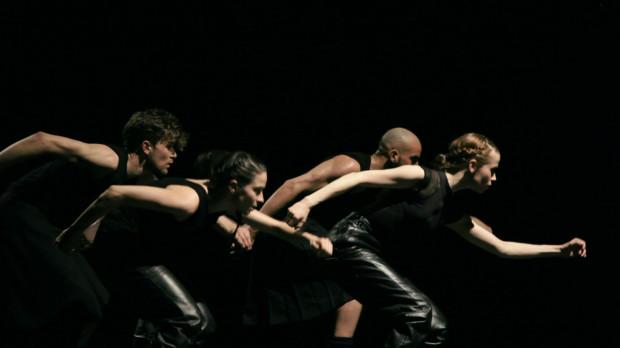 """W Klubie Żak wystąpi też grupa Julia Koch Company ze spektaklem """"Hither and Tither"""", która zaprezentuje się 10 czerwca o godz. 19."""