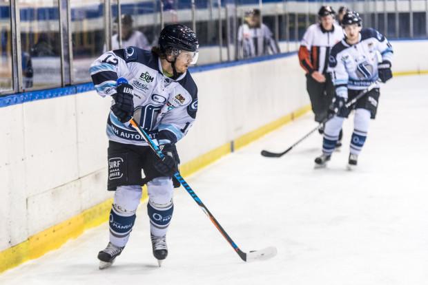 Zatrzymanie Petra Polodny (na zdjęciu) było kluczowe dla działaczy MH Automatyki. Oprócz niego, udało się przedłużyć umowy jeszcze z czterema innymi hokeistami, którzy przyczynili się do utrzymania zespołu w krajowej elicie.