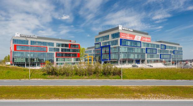 W kompleksie biurowym przy Armii Krajowej nadal pracują głównie bankowcy, ale teraz nazywa się on Cube Office Park.
