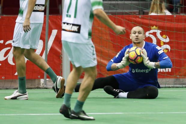 Mateusz Bąk będzie trenował bramkarzy najstarszych roczników w piłkarskiej akademii Lechii.