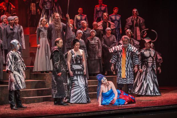 """Główną atrakcją lata w Operze Bałtyckiej będą sobotnie koncerty """"Włoskie Noce"""", w których usłyszymy m.in. utwory znane z ostatnich premier Opery Bałtyckiej - z oper """"Rigoletto"""" czy """"Nabucco"""" (na zdjęciu)."""